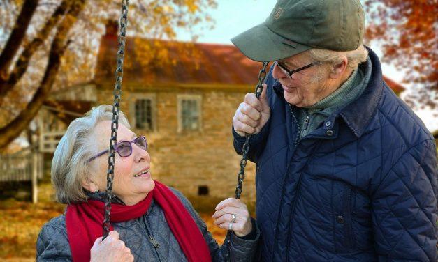 Cu cât vor crește pensiile de la 1 ianuarie 2019. Mamele care au crescut 3 copii se pot pensiona cu 6 ani mai devreme