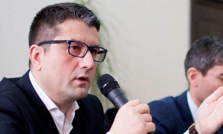 """""""Făgădău își arată limitele: un oraș murdar, aflat în ruină și fără apă caldă"""""""