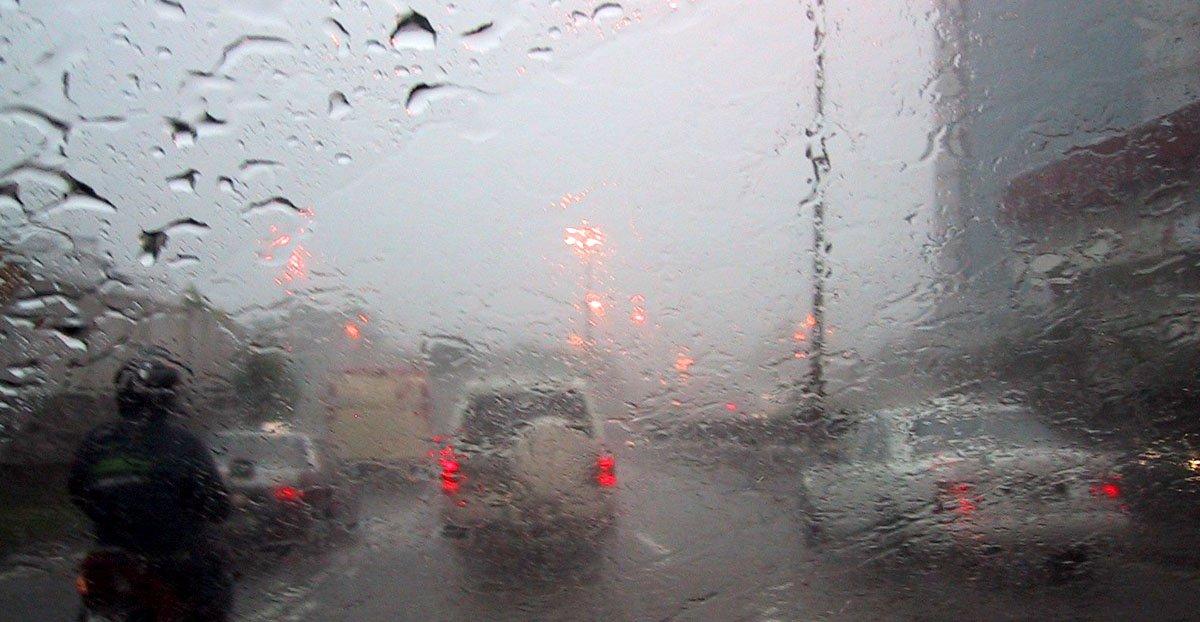 ANM a prelungit avertizările pentru județul Constanța. Meteorologii anunță ploi torențiale, descărcări electrice și vânt puternic