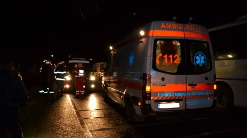 Accident rutier grav la ieșirea de pe podul din Ovidiu între două autoturisme și un autocar!