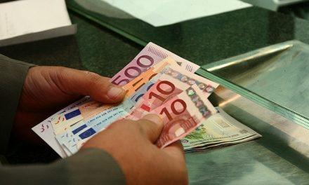 Românii plecați la muncă în străinătate, obligați să justifice sumele mai mari de 1.000 euro trimise în ţară