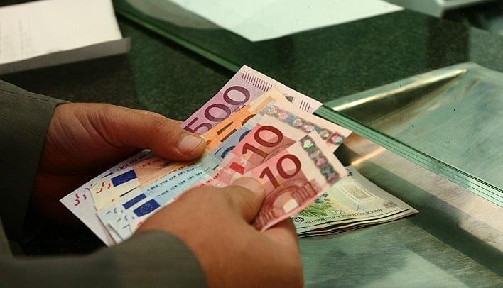 Veste uriașă pentru români. Dobânda creditelor bancare, plafonată de Parlament