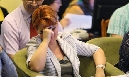 Olguța a găsit cauza salariilor scăzute: patronii își fură angajații! Se caută încă sursa prostiei ministrului