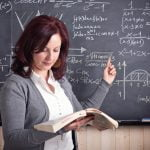 Salariile profesorilor vor crește la 1 ianuarie 2020 și la 1 septembrie 2020 până la nivelul grilei de salarizare din 2022
