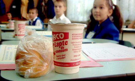 """""""Cornul și Laptele"""", anulat. Elevii vor primi fructe, salate și, probabil, """"Masa Caldă"""""""