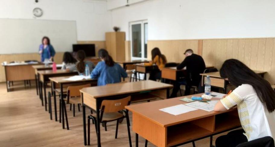 Educația e la pământ. 47% dintre elevii din România nu pot efectua operații matematice de bază