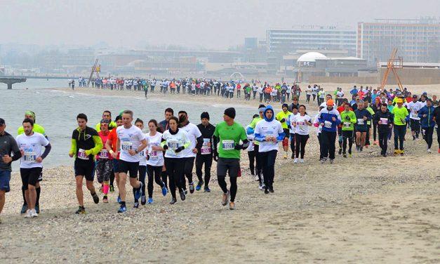 Maratonul Nisipului. Peste 1.000 de alergători vor purta tricouri în culorile drapelului!