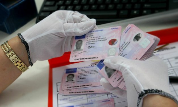 Percheziții în 19 județe din țară într-un dosar cu permise false obținute în Africa, ce erau preschimbate apoi cu permise românești autentice