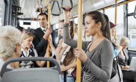 Statul acordă note cetățenilor. Cei cu punctaje proaste nu au voie să urce în autobuz, tren sau avion
