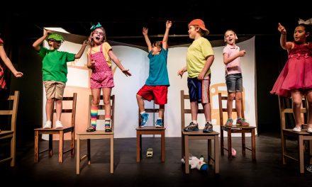 """Micii actori se pregătesc de Festivalul de Teatru """"Arlechino"""", de la Agigea"""