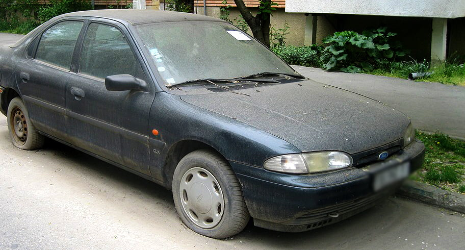 Mașinile abandonate pe străzile Constanței vor fi ridicate de Primărie