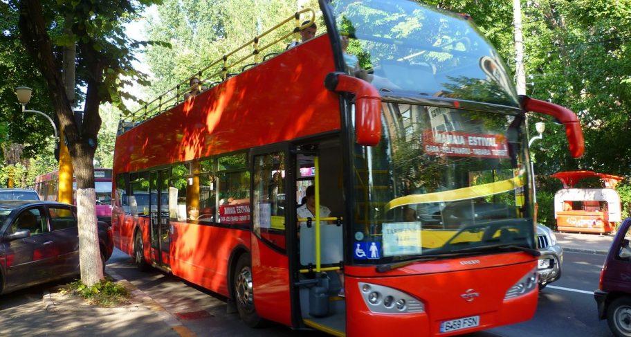 Din acest weekend, intră în circulație autobuzele etajate