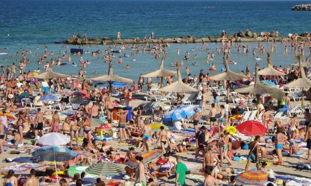 1 Mai pe litoral, clubbing, grătare și… controale. Cum vor fi așteptați turiștii la Constanța