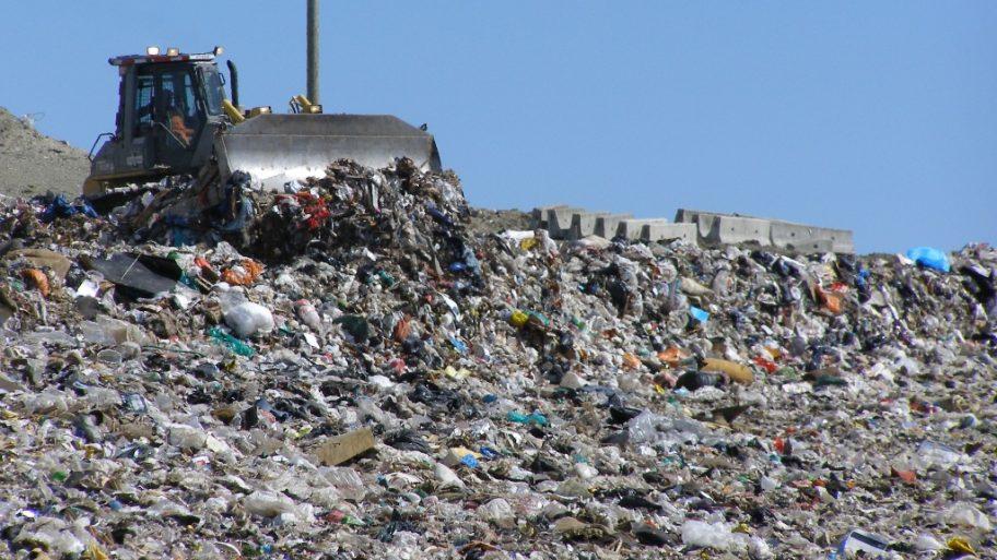 Parlamentul European propune legi stricte de depozitare a deșeurilor în toate statele membre UE