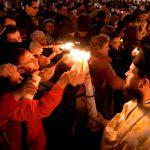BOR se delimitează de Învierea organizată de Teodosie: Slujba a fost oficiată în toate bisericile și lumina sfântă a ajuns la foarte mulți credincioși