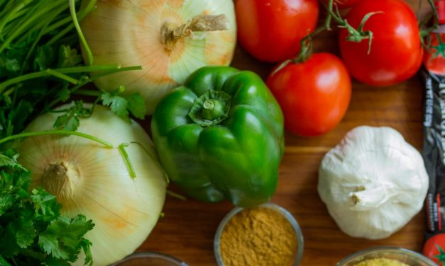 5 pași simpli pentru a-ți revitaliza organismul după mesele grele