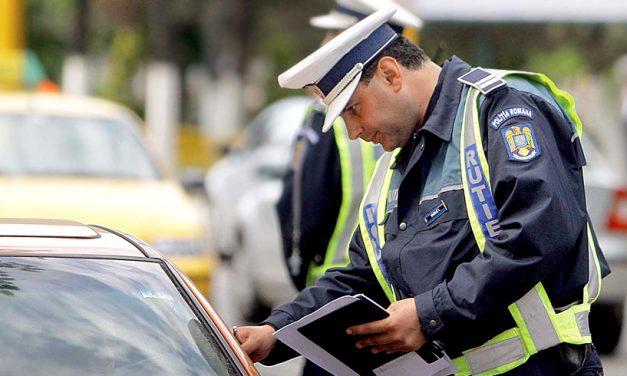 Comportamentul agresiv în trafic, sancționat cu suspendarea permisului pentru 120 de zile și amendă