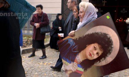 """Biserica din Cumpăna a pus la vânzare icoane cu primăriţa Mariana Gâju. """"Pentru noi e o sfântă!"""""""
