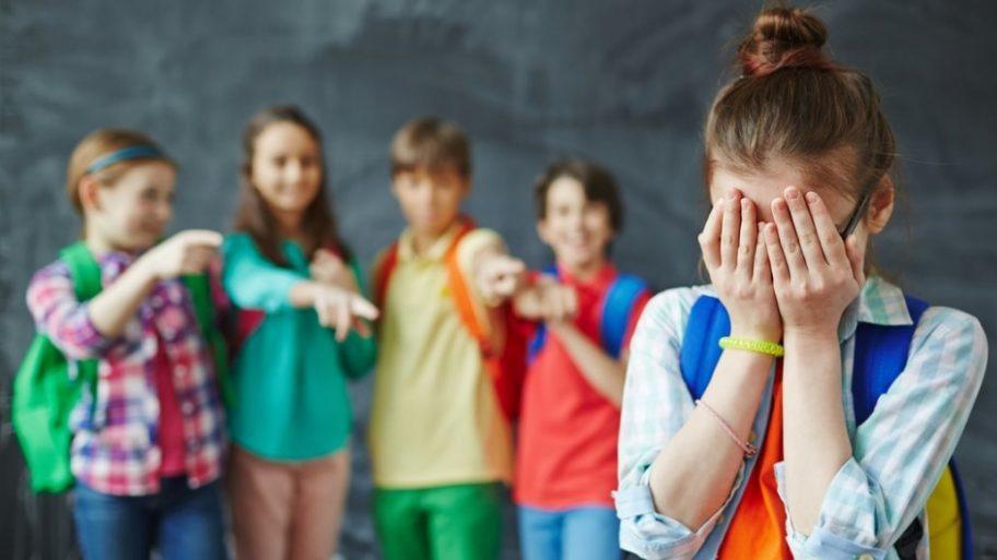 A intrat în vigoare legea care interzice BULLYING-ul în școli