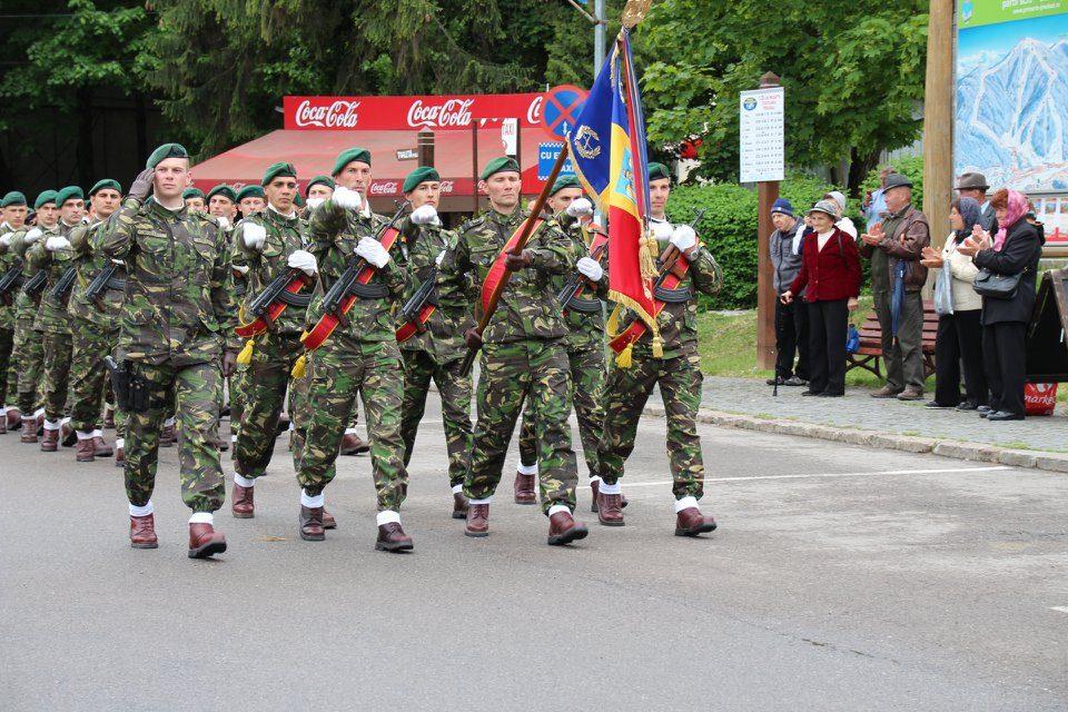 """URIAȘĂ VICTORIE PENTRU MILITARI! Soldații și gradații profesioniști vor beneficia de Ordinul Onorific """"În Serviciul Patriei"""". Legea a fost votată astăzi"""