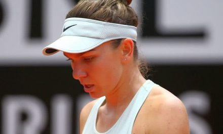 """Simona Halep s-a retras de la Turneul Campioanelor 2018. """"Spatele meu nu e ok"""""""
