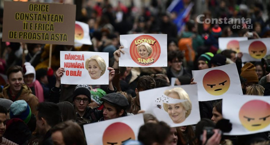 Mii de constănțeni merg la mitingul PSD. Vor să vadă cu ochii lor cât de proastă e Dăncilă
