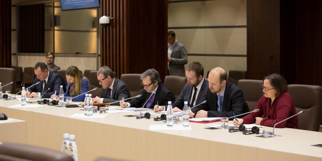 O delegație a Comisiei de la Veneția, prezentă la București pentru a analiza Legile Justiției