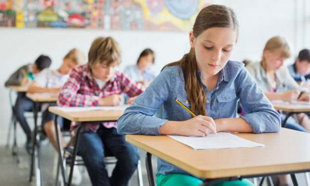 40% din subiectele de la Evaluarea Națională și Bac vor fi tip grilă. Modificările se aplică din acest an școlar