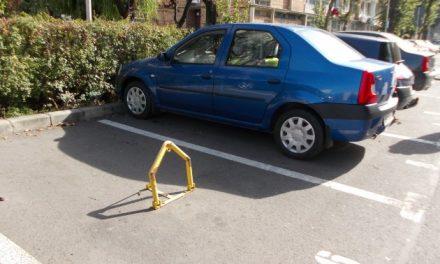 """Decebal Făgădău: """"Locurile de parcare aparțin tuturor constănţenilor. Nu sunt proprietate privată"""". Atunci de ce plătesc doar unii?"""