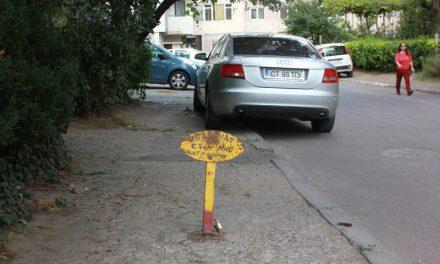 Gata cu blocarea locurilor de parcare, în Constanța. Autorizația de parcare, valabilă doar între orele 17:00-08:00. Amenzi de până la 1.000 de lei