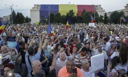 Proteste la Constanța și în alte mari orașe. 18.000 de români au ieșit în stradă
