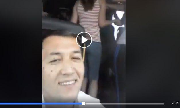 """Video / Șofer de autocar pe ruta Constanța-București se filmează la volan cu pasagerii în timp ce """"dădeau o petrecere"""""""