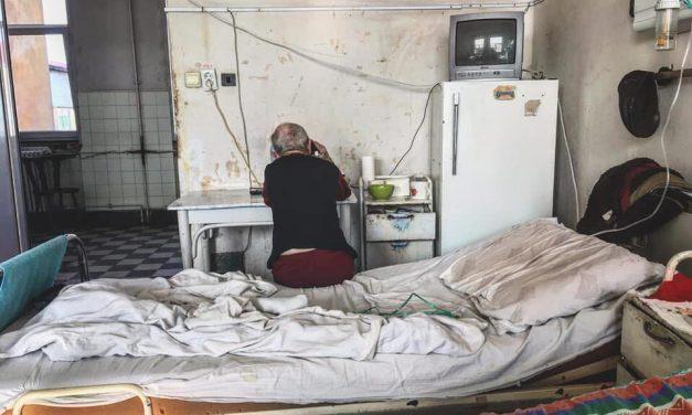 """""""Nu vreți voi să donați pentru #NotreSpitale, # NotreȘcoli…?"""" Reacția românilor după ce politicieni au anunțat că își donează salariul pentru Notre Dame"""