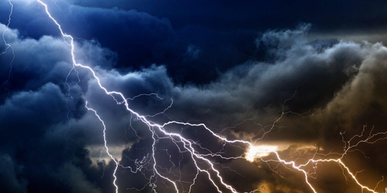Constanța, sub COD PORTOCALIU de ploi și descărcări electrice