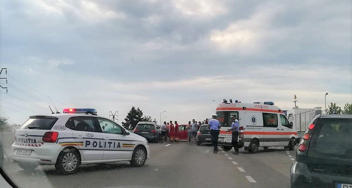 GALERIE FOTO/ Trafic blocat între Ovidiu și Constanța! Șase mașini au fost avariate
