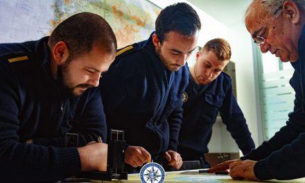 O poveste de succes. Colegiul Nautic Român pregătește viitori ofițeri pentru flota engleză. Absolvenții obțin direct brevet britanic