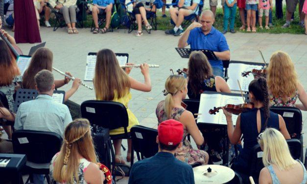 Sunset Sea-mphony revine la Constanța. Concerte inedite cu acces gratuit pentru public