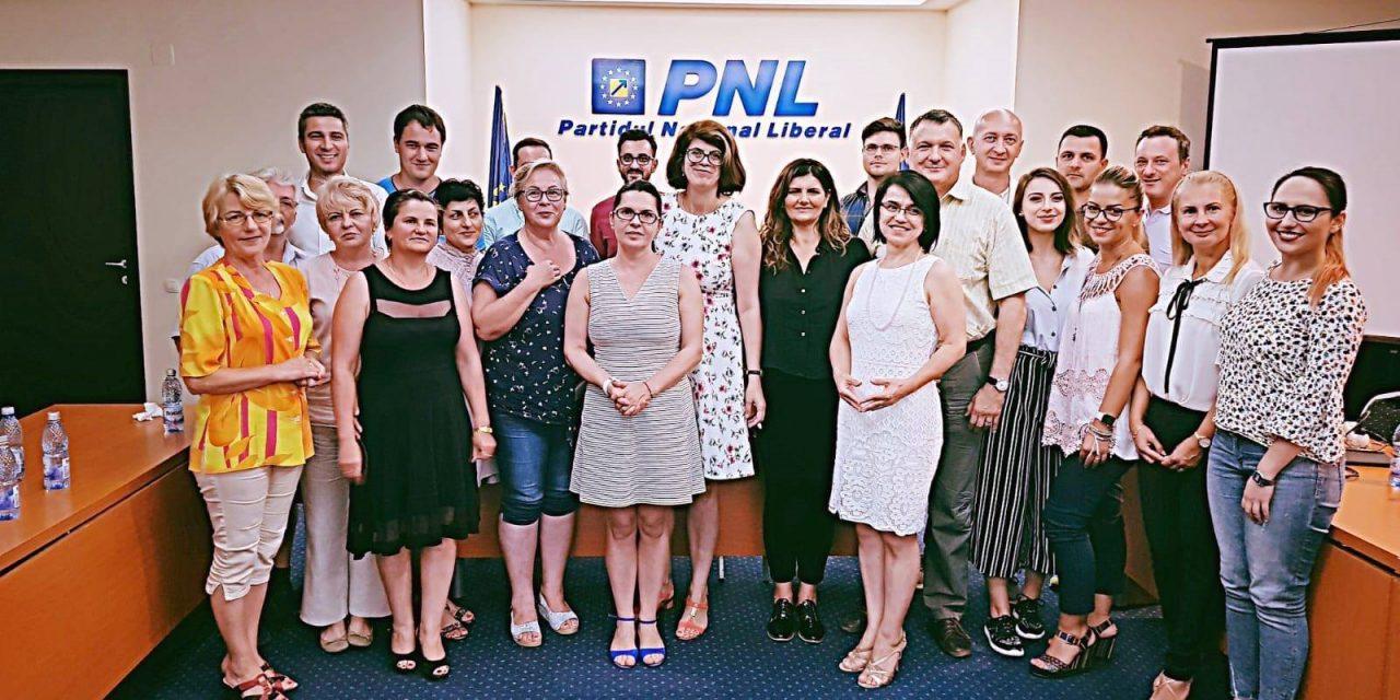 Curs de comunicare și vorbit în public, susținut de Adriana Săftoiu la Constanța