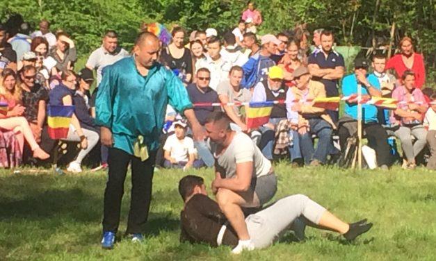 Competiția anuală de lupte tradiționale tătărești are loc astăzi la Kogălniceanu