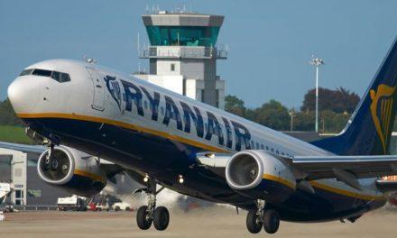 """Nu e glumă! Un avion Ryanair nu a mai putut decola de pe Otopeni după ce """"o piesă din cabina pilotului a fost furată"""""""