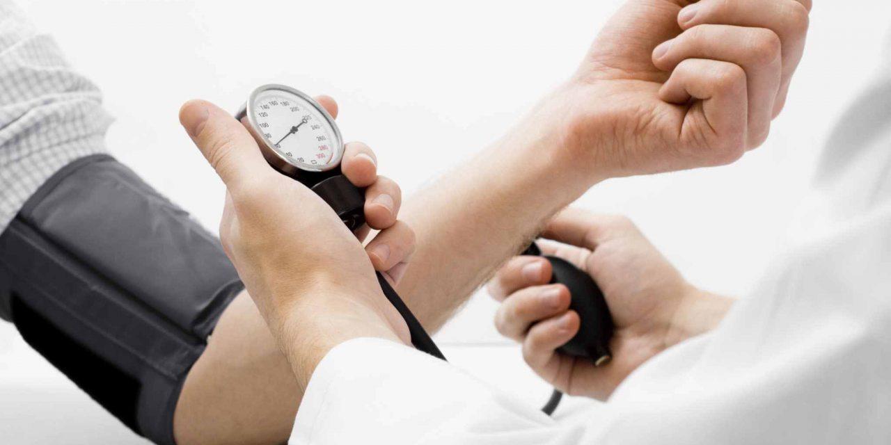 Studiu: Scăderea tensiunii arteriale reduce riscul declinului cognitiv
