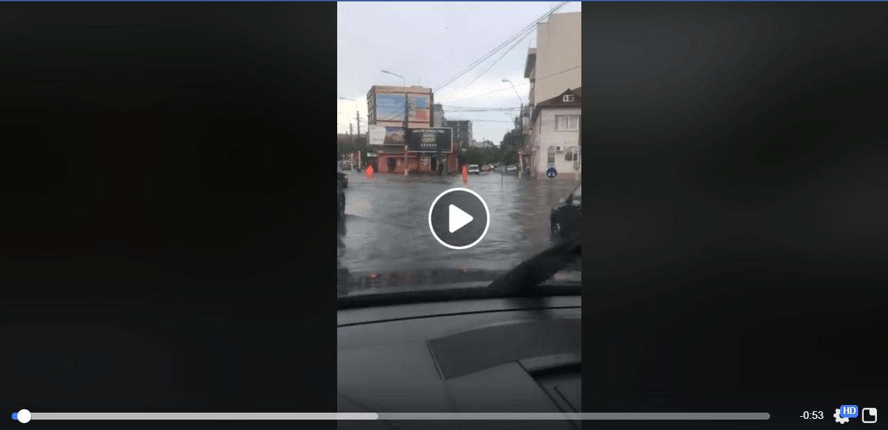 VIDEO/ Ce a lăsat în urmă furtuna la Constanța. În City Park Mall a plouat mai rău decât afară