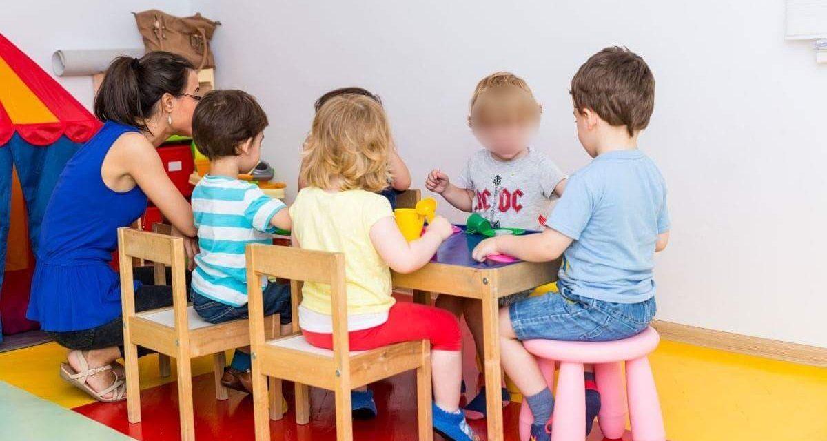 În atenția părinților. Se introduc grădinița cu program săptămânal – copiii pot rămâne peste noapte și învățământul antepreșcolar (0-3 ani)
