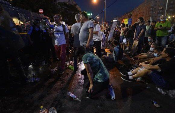 Peste 400 de români au fost răniți la protestul din Capitală