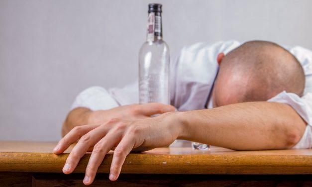 Studiu: Efectele consumului de alcool sunt amplificate de băuturile energizante