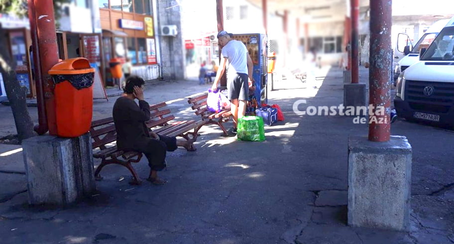 """Dezastrul din Autogara Constanța. """"Nici nu știi unde parchează autobuzul, nu au indicatoare, nimic. Să nu mai spun că miroase urât!"""" GALERIE FOTO"""