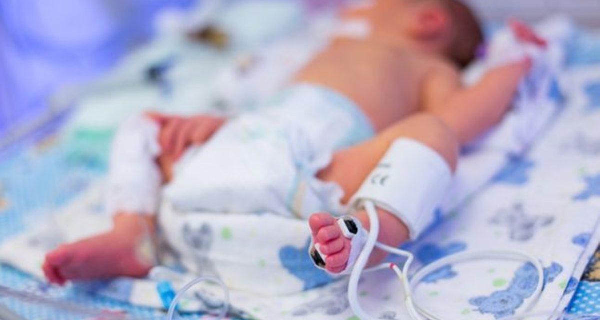 Medic: Un travaliu prelungit pentru a naște natural îi poate lăsa copilului sechele pe viaţă