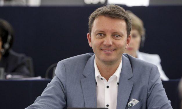 Fermierii afectați de pesta porcină ar putea primi 110 milioane de euro. Siegfried Mureșan a amendat Proiectul de Buget al UE