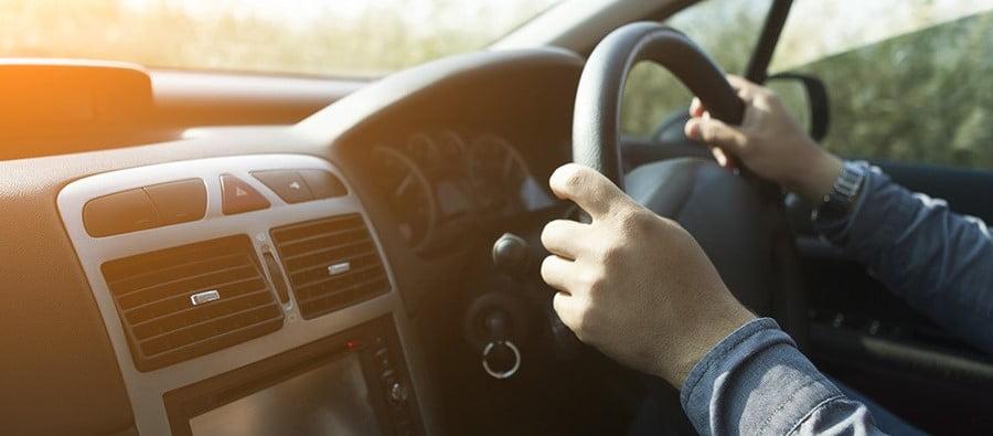 Mașinile cu volan pe dreapta, interzise în România. Ordinul a fost semnat de ministrul Transporturilor