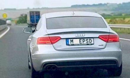 Poliția recunoaște interpretarea greșită a legii în cazul șoferului cu plăcuțe anti-PSD. Propune clasarea dosarului penal